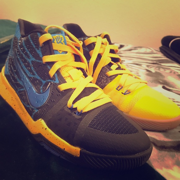 pretty nice 9aee0 305bd Kyrie 2 Blue and Yellow